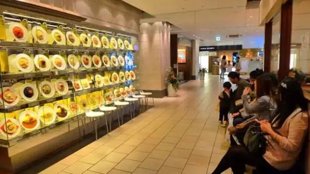 我们在呐喊实体店已沦为试衣间!日本实体却比电商繁华,为啥?